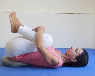 Sabato 6 aprile 2019 – Seminario di Yoga Donna con Automassaggio
