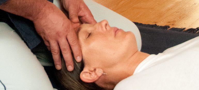 Martedì 23 luglio 2019 –  Seminario di Shiatsu: Riequilibrio Chakra e sistema ormonale