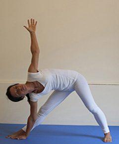 Ottobre, lezione di prova nei Corsi Yoga base: piccoli gruppi in sicurezza.
